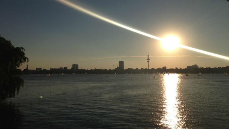 Aussicht Schwanenwikbrücke Hamburg, Außenalster, Jogging Sucks